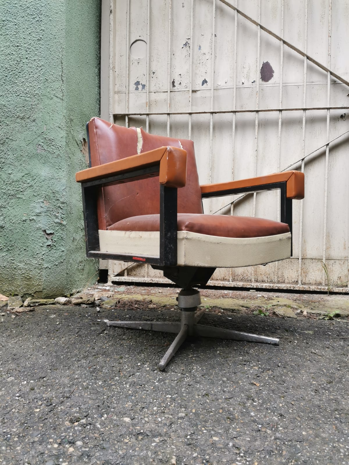 Super Strength Heavy Metal Framed Industrial Built 50s Office Chair Collectible Old Stuff